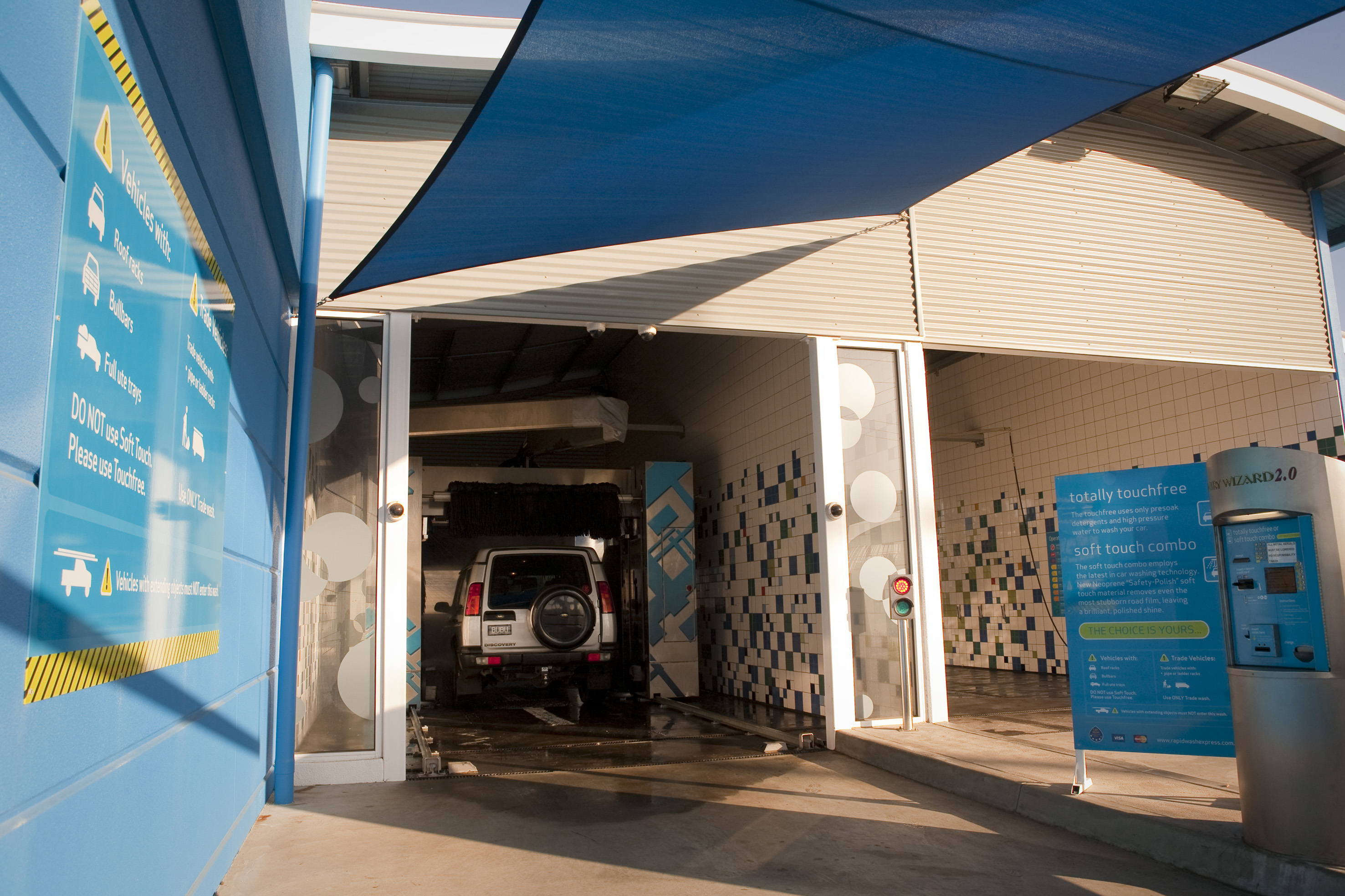 Car wash locations photos coleman hanna carwash systems aspendale gardens victoria australia efusion rollover automatic wash and self serve solutioingenieria Choice Image